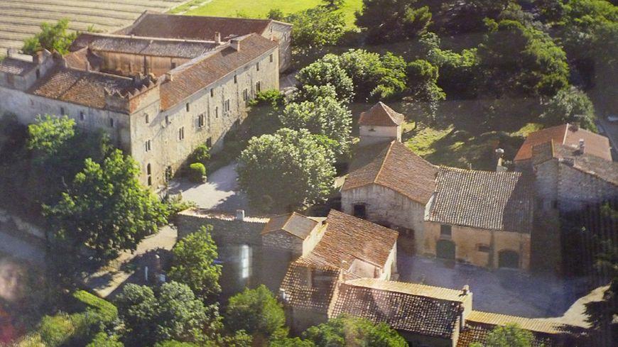 Le monastère del Camp vu du ciel, Pasa