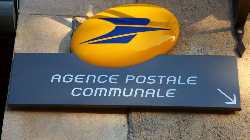 Le vol a été commis dans l'agence postale du village en pleine journée