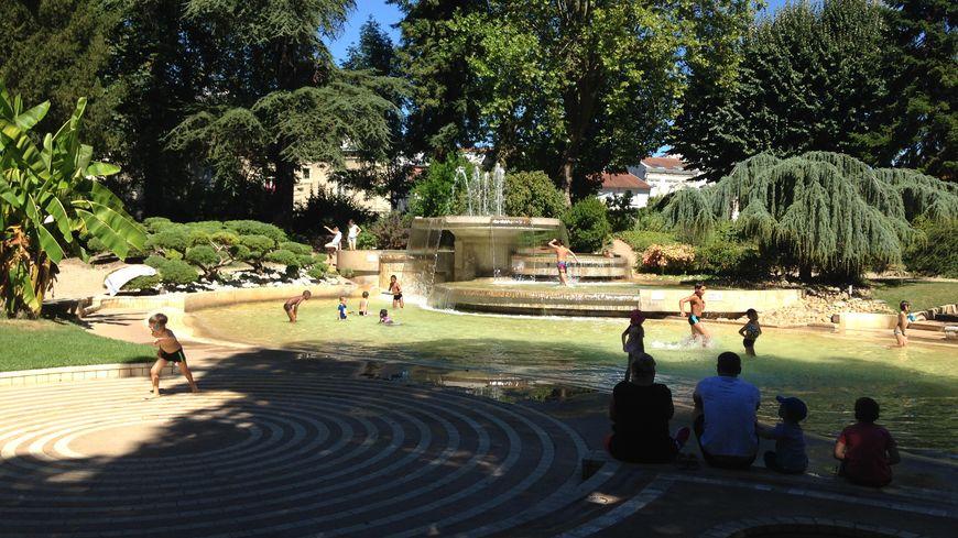 La fontaine du parc de Vésone