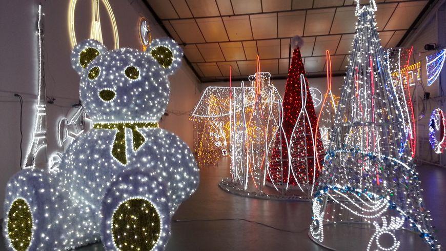 Un espace d'exposition est installée dans les ateliers Leblanc Illuminations du Mans
