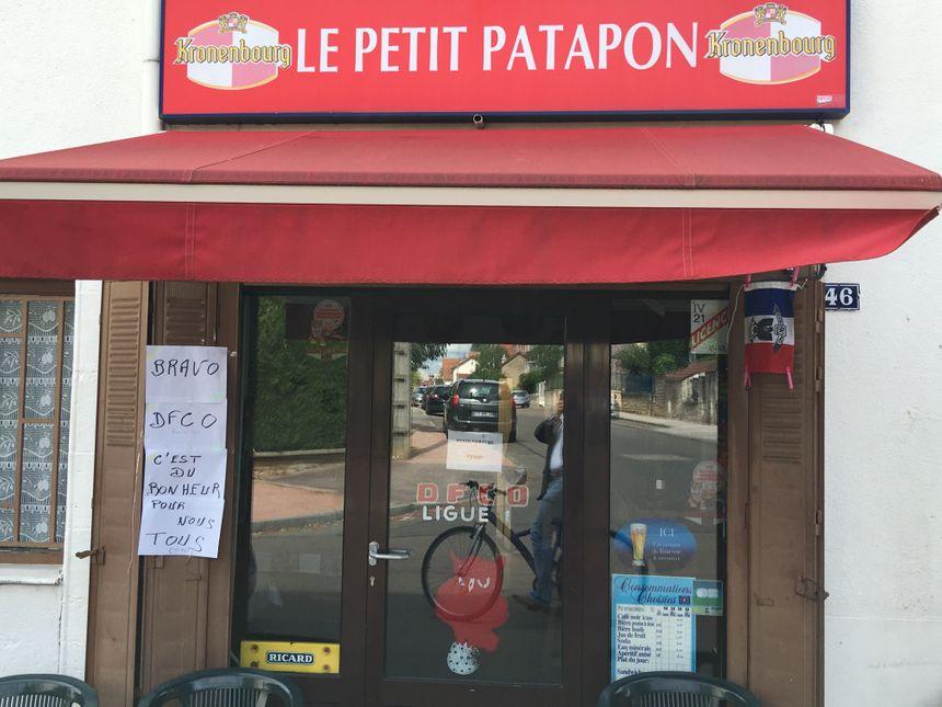Une victoire 4 à 2 savourée jusque dans les cafés - Radio France