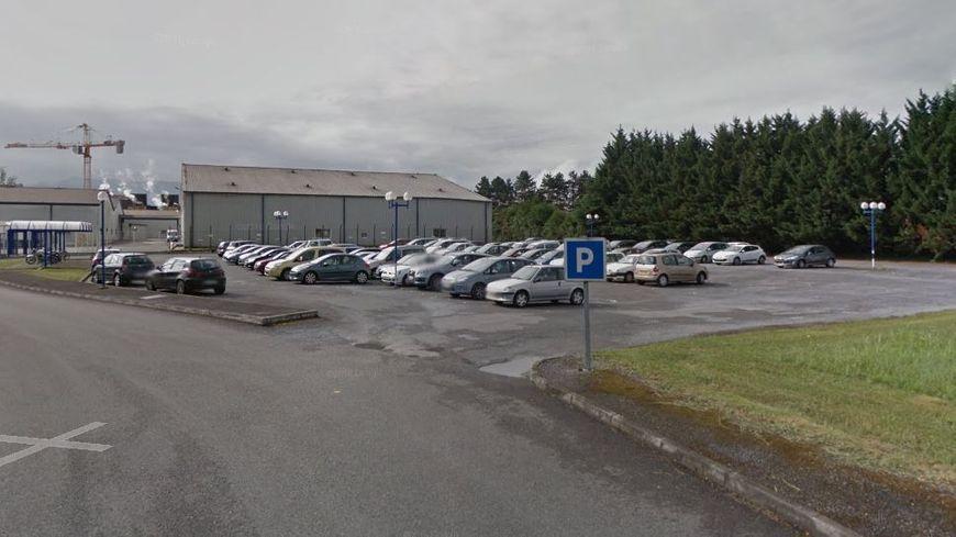 Le parking du personnel où s'est déroulé le drame