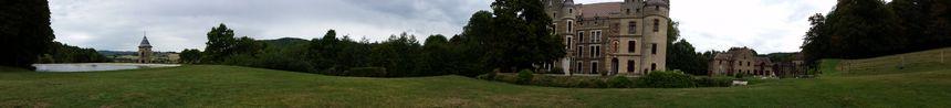 Vue panoramique depuis les jardins du château de Pupetières, à Châbons - Radio France