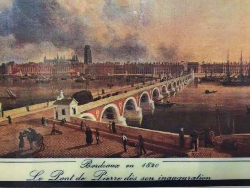 Le pont de pierre en 1820... - Radio France