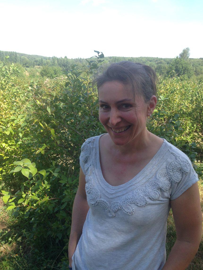 Fabienne Hagneaux de la ferme des bleuets à Vaas  - Radio France