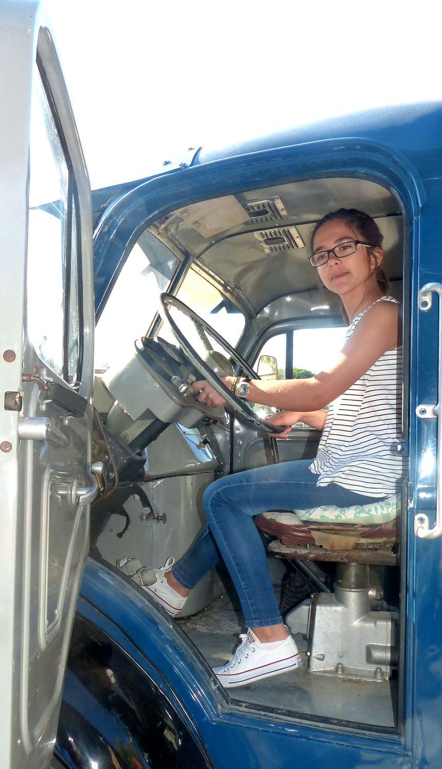 Camille DUBOIS a aussi la passion des camions ! - Radio France