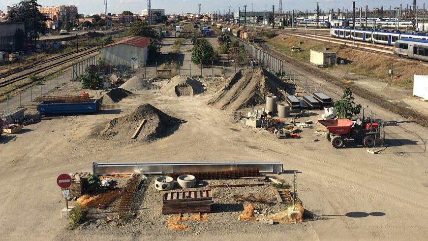 Le chantier du nouveau poste de contrôle, sur le site ferroviaire du Raynal.