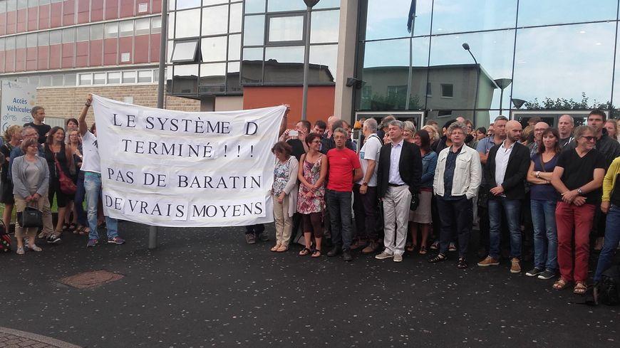 Les enseignants grévistes du Lycée Tocqueville à Cherbourg remontés contre le rectorat et le Conseil régional