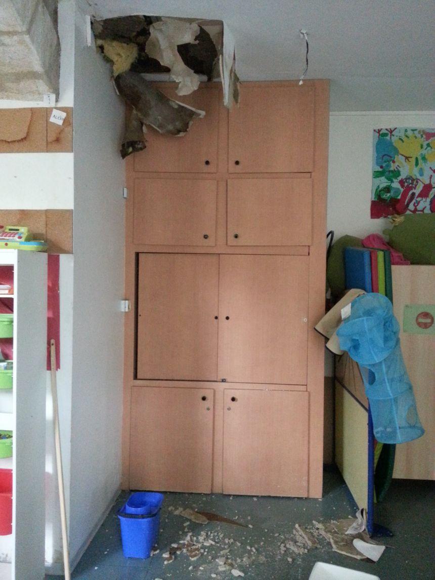 Effondrement du plafond à l'école primaire - Radio France
