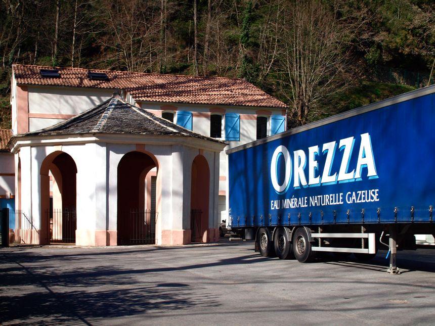 Les Eaux d'Orezza produisent 12 millions de bouteilles pas an  - Maxppp