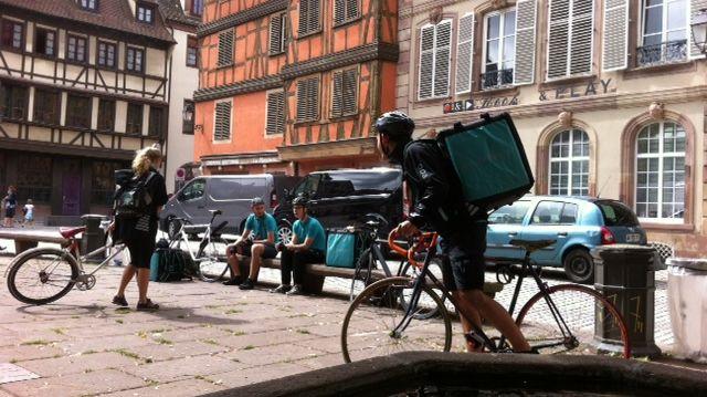 Les livreurs à vélo ne sont pas toujours dans les clous à Strasbourg
