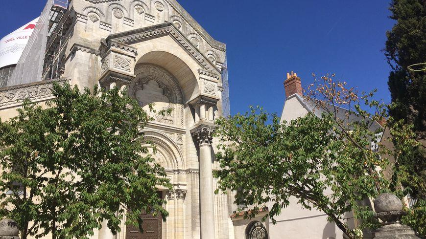 La basilique St Martin de Tours a fait peau neuve, ces derniers mois