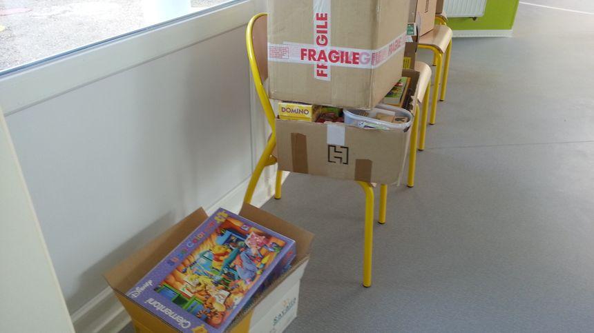 Des jeux collectés, attendent encore d'être déballés - Radio France