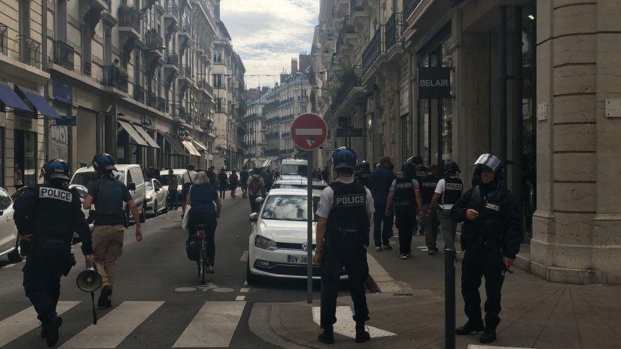 Les forces de l'ordre sont intervenues rue du docteur Mazet à Grenoble