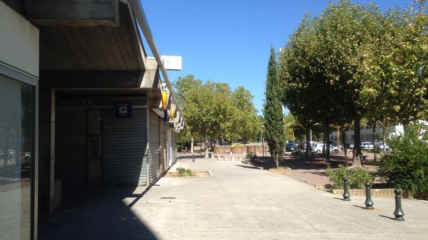 Sur la place Georges Clemenceau, au centre du quartier Pracomtal,  tout le monde condamne les violences et les dégradations.