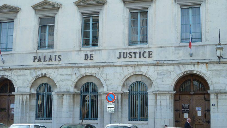 Le tribunal de Valence a condamné, ce lundi, un Romanais de 28 ans pour apologie du terrorisme.
