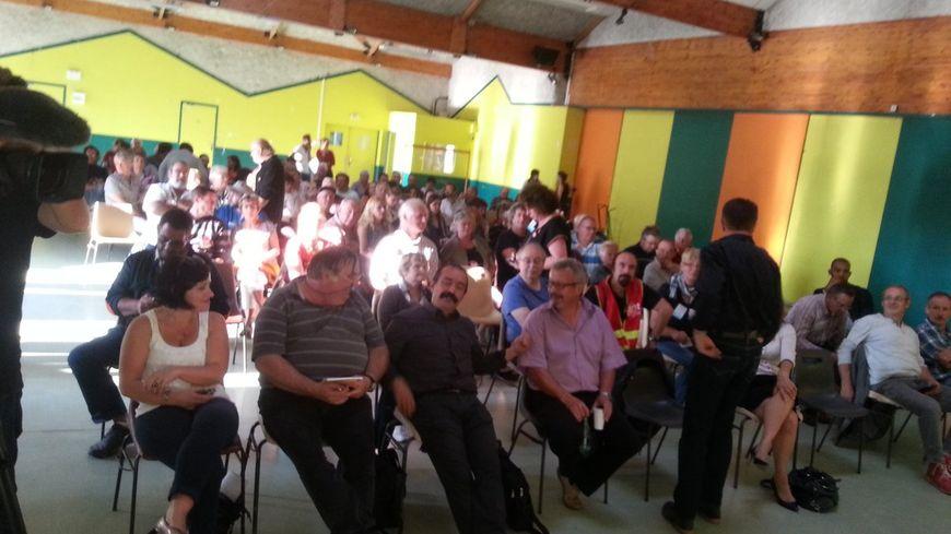 Philippe Martinez, le secrétaire général de la CGT, est venu à Aubusson apporter son soutien aux agents de l'hôpital