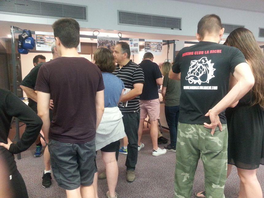 Beaucoup de jeunes viennent se renseigner auprès des clubs de boxe de l'agglomération tourangelle - Radio France