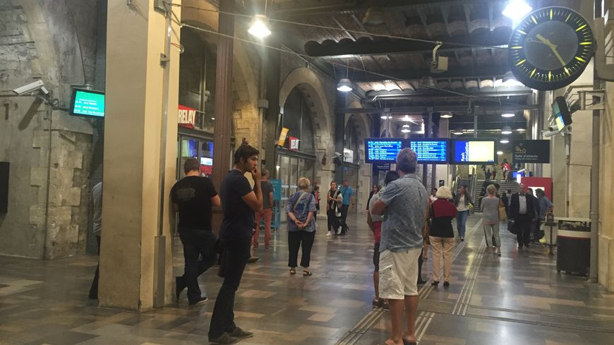 A la gare de Nîmes des trains sont arrivés avec plus de deux heures de retard à cause d'un accident de personne
