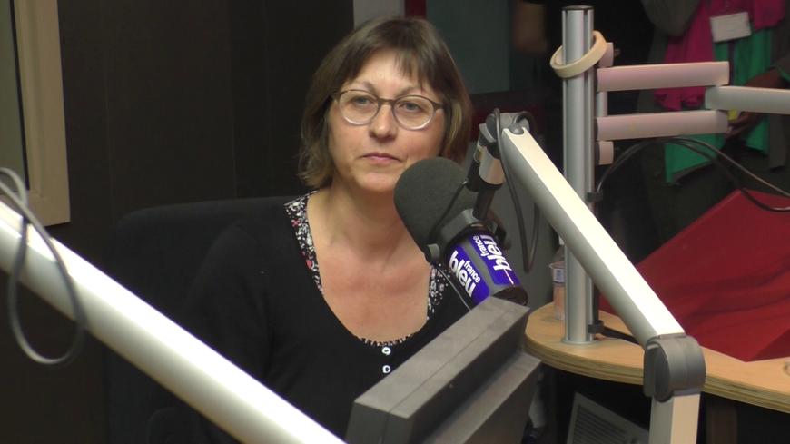 Sylvie, auditrice VIP, découvre les coulisses de France Bleu Gironde