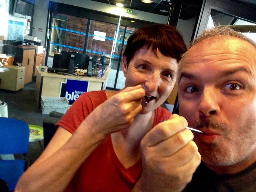 Nelly et Serge : les gourmands qui dégustent le fondant au chocolat du 1680  - Radio France
