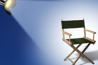 Chaise et projecteur