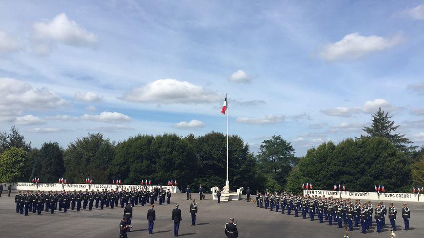 Cérémonie pour la fin du cursus de la 70 ème promotion de l'école de gendarmerie de Châteaulin