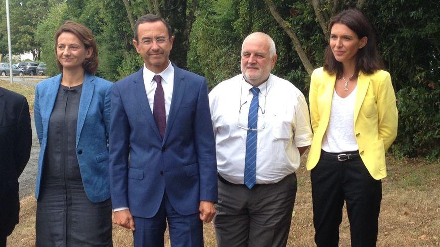 Bruno Retailleau avec, à sa droite, Patrick Delage, le directeur du lycée agricole.