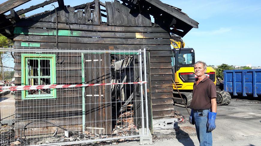 1 mois après les incendies la démolition des cabanes est en cours