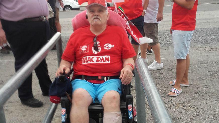 Impossible d'accéder au guichet en fauteuil roulant