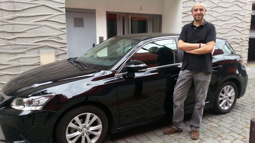 Edouard Goin travaille à 15 km de son domicile nantais, il ne peut pas faire se passer de sa voiture.