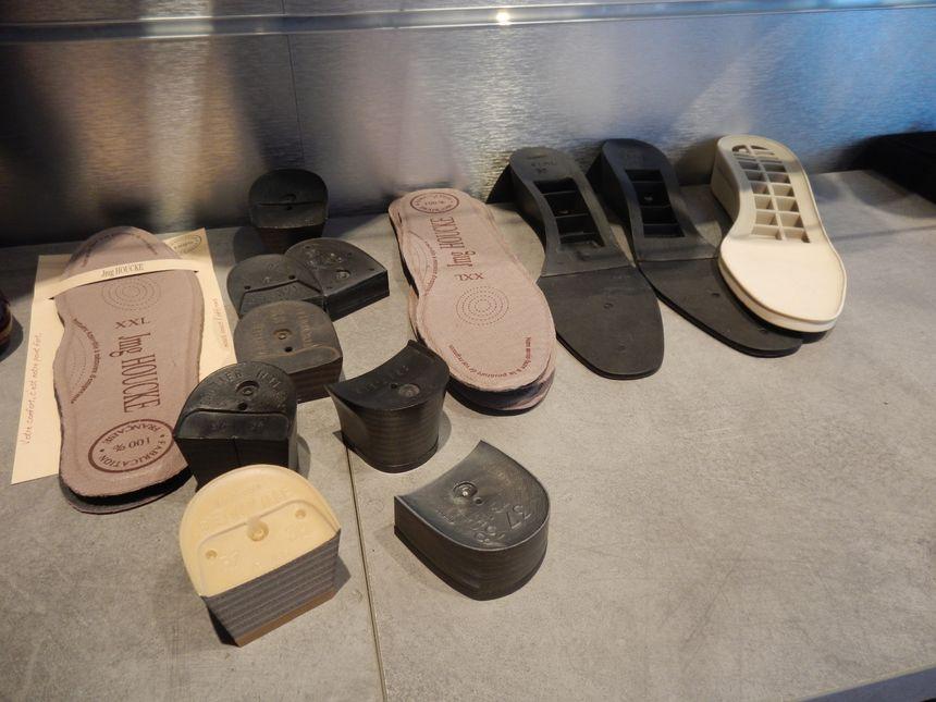Un savoir faite depuis 1960 et des chaussures adaptable selon ses gouts et ses envies - Radio France
