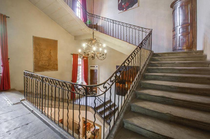 Le Château d'Arpaillargues et le grand escalier - Aucun(e)