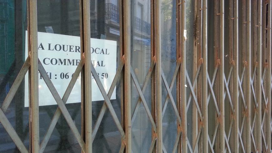Un commerce vide à Avignon