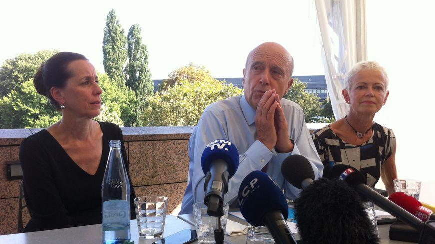 Alain Juppé entouré par Fabienne Keller et Brigitte Klinkert