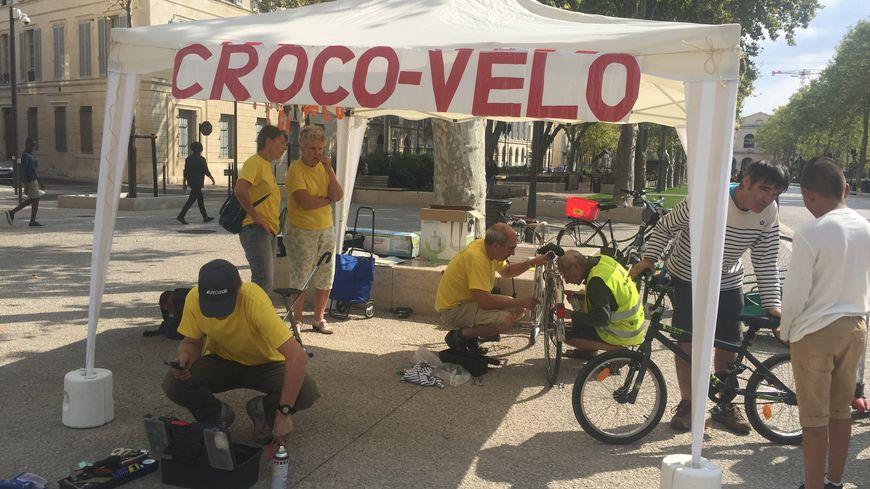 L'atelier de réparation de vélo de l'association Crocovélo sur l'avanue Feuchères à Nîmes