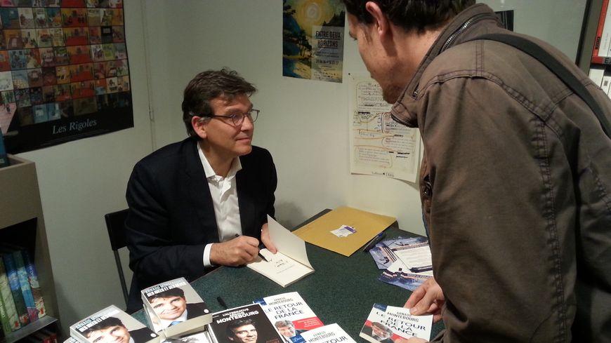 Arnaud Montebourg mercredi 12 octobre à la librairie Autour du monde de Metz.