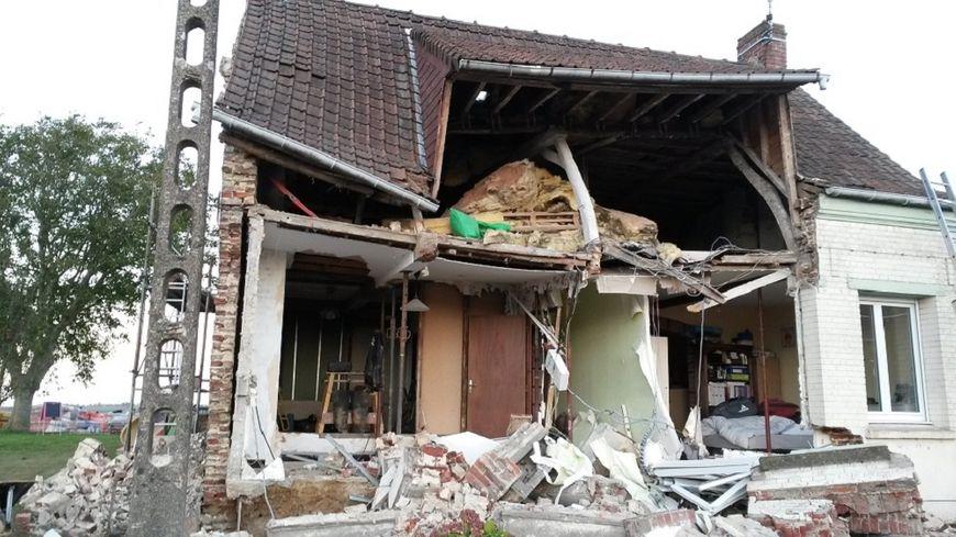 La maison de Laurent et Aurore s'est écroulée à Eecke