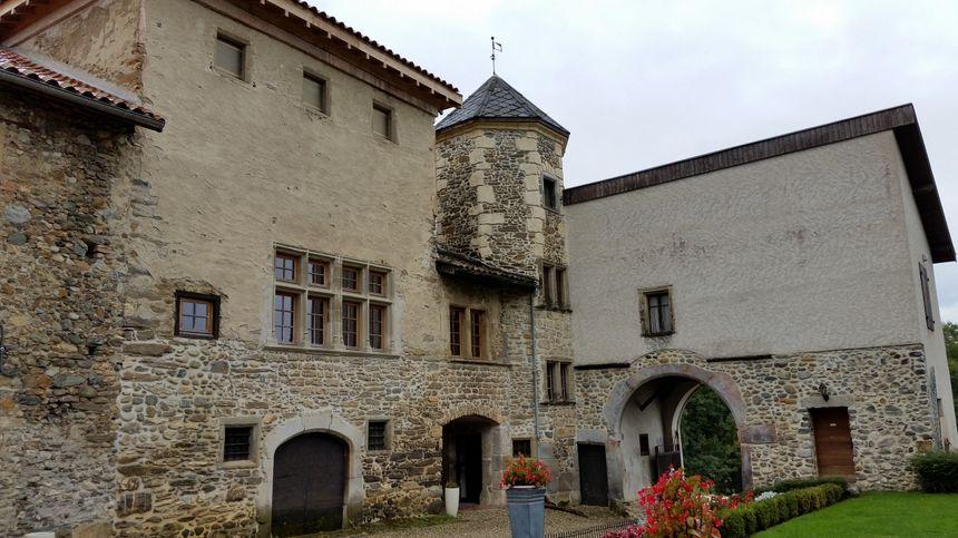 Le château de Venon vu depuis la cour intérieure - Radio France
