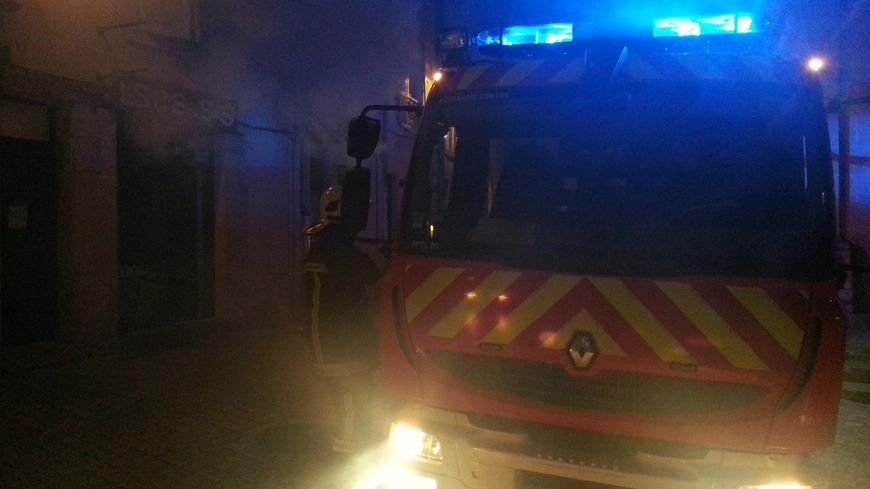 Les pompiers d'Orléans interviennent sur un incendie en juin 2016, à Orléans