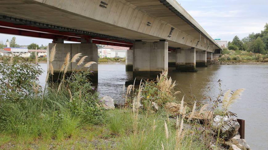 Le drame s'est noué entre les eux rives de l'Adour sur le quai Gomez où a été retrouvée la mere des deux enfants et le quai Resplandy à hauteur du pont autoroutier