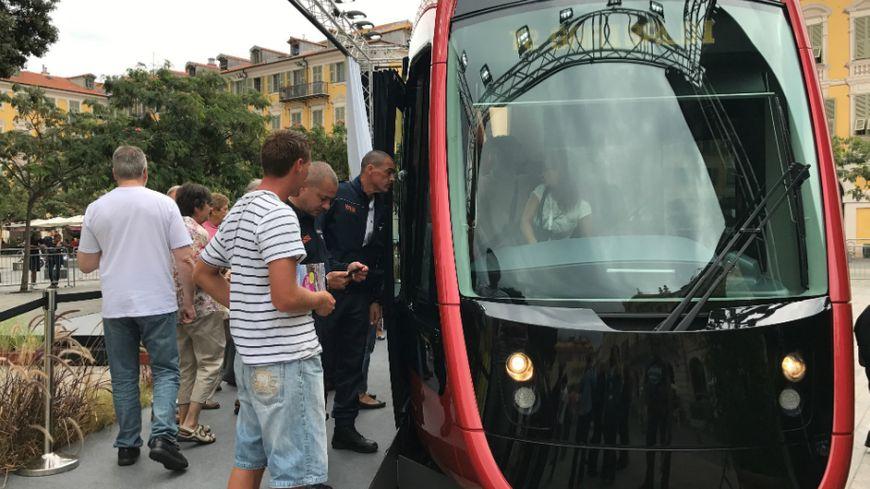 La nouvelle rame de la future ligne 2 du tramway de Nice