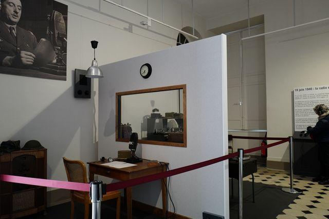 Reconstitution du studio de la BBC où le Général de Gaulle enregistra l'appel du 18 juin 1940