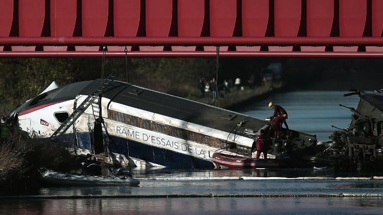 """Une note d'étape du Bureau d'enquêtes sur les accidents de transport terrestre a estimé que """"la vitesse très excessive de la rame d'essai est la cause unique du déraillement"""" du TGV"""