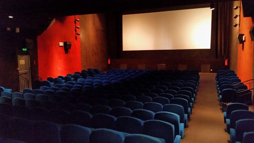 La grande salle du cinéma l'Oron, à Beaurepaire - Radio France