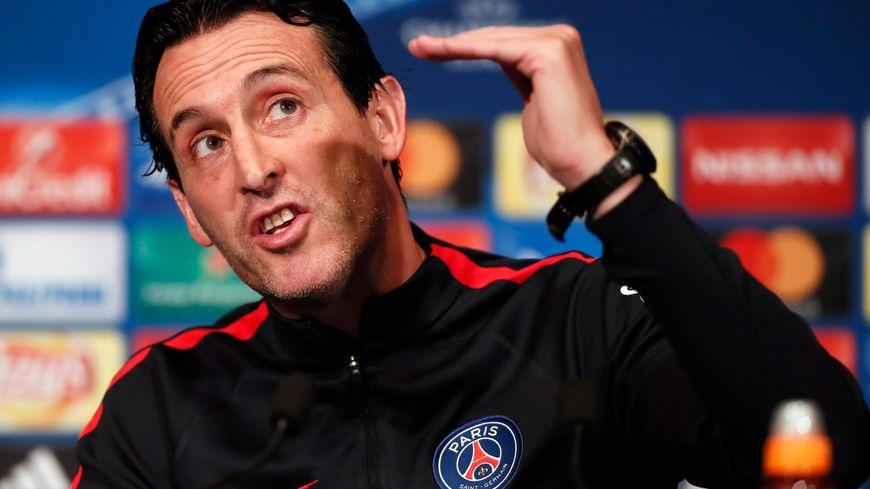 Paris Saint Germain head coach Unai Emery speaks to media during a press conference at the Parc des Princes stadium in Paris 18-10-2016
