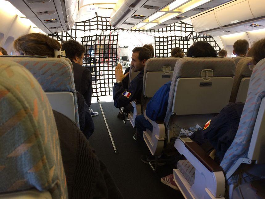 La cabine prévue pour le décollage et l'atterrissage... - Radio France