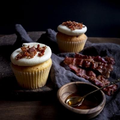 Bacon-Maple trio comp