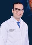 د خالد واحد من تبرع الأطباء في مجاله يتفاني دائما في خدمه مرضاه