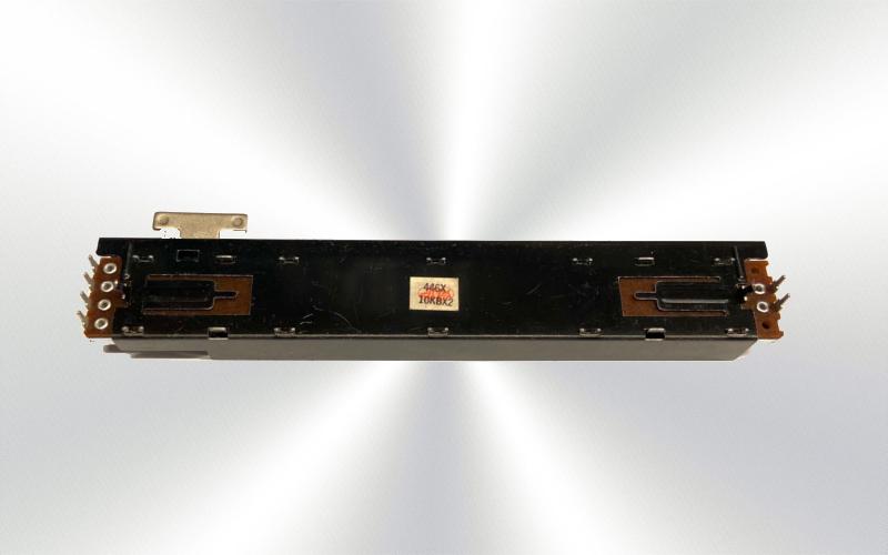 Potenciómetro deslizante lateral 446F 10KBX2 -100-025-
